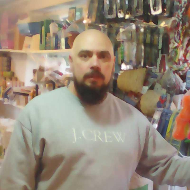 Dumiter Aurel, vânzător